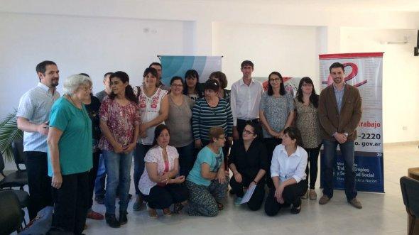 Se entregaron microcréditos en San José y Villa Elisa