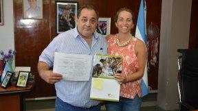 La provincia entregó aportes al municipio de Santa Elena