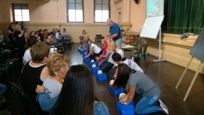 Más de 100 cocineras de comedores escolares de Gualeguaychú y Paraná se capacitaron en RCP y primeros auxilios